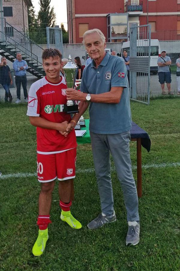 30 Fontana premiazioni 0a Vincenzo Libonati - Carpi FC - marcatore goal vittoria